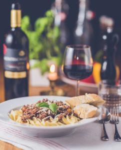 Kết hợp đồ ăn và rượu vang