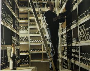 Hầm chứa rượu vang