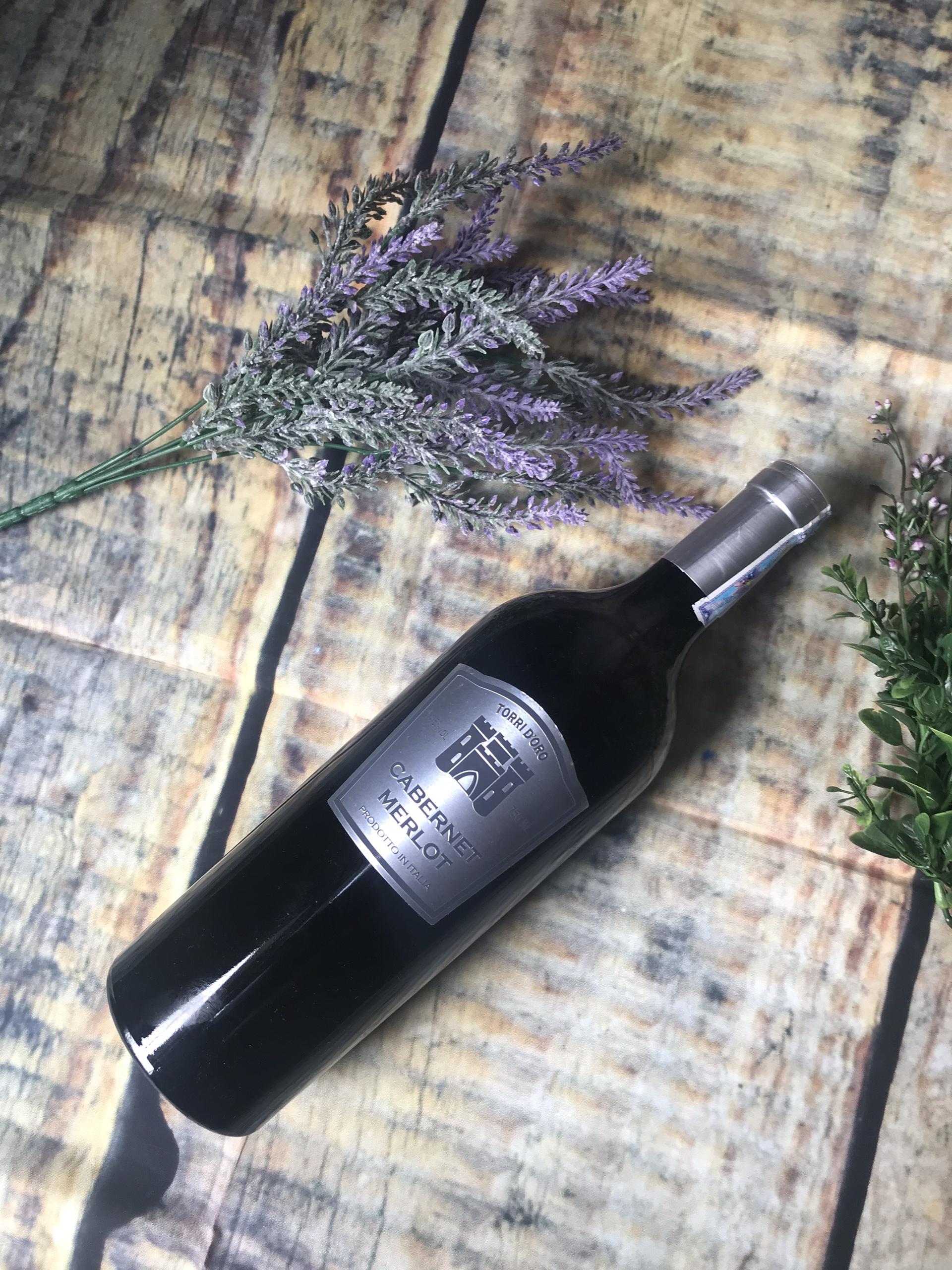 Vang Torri D'Oro Cabernet Merlot có mùi thơm của trái cây chín mọng