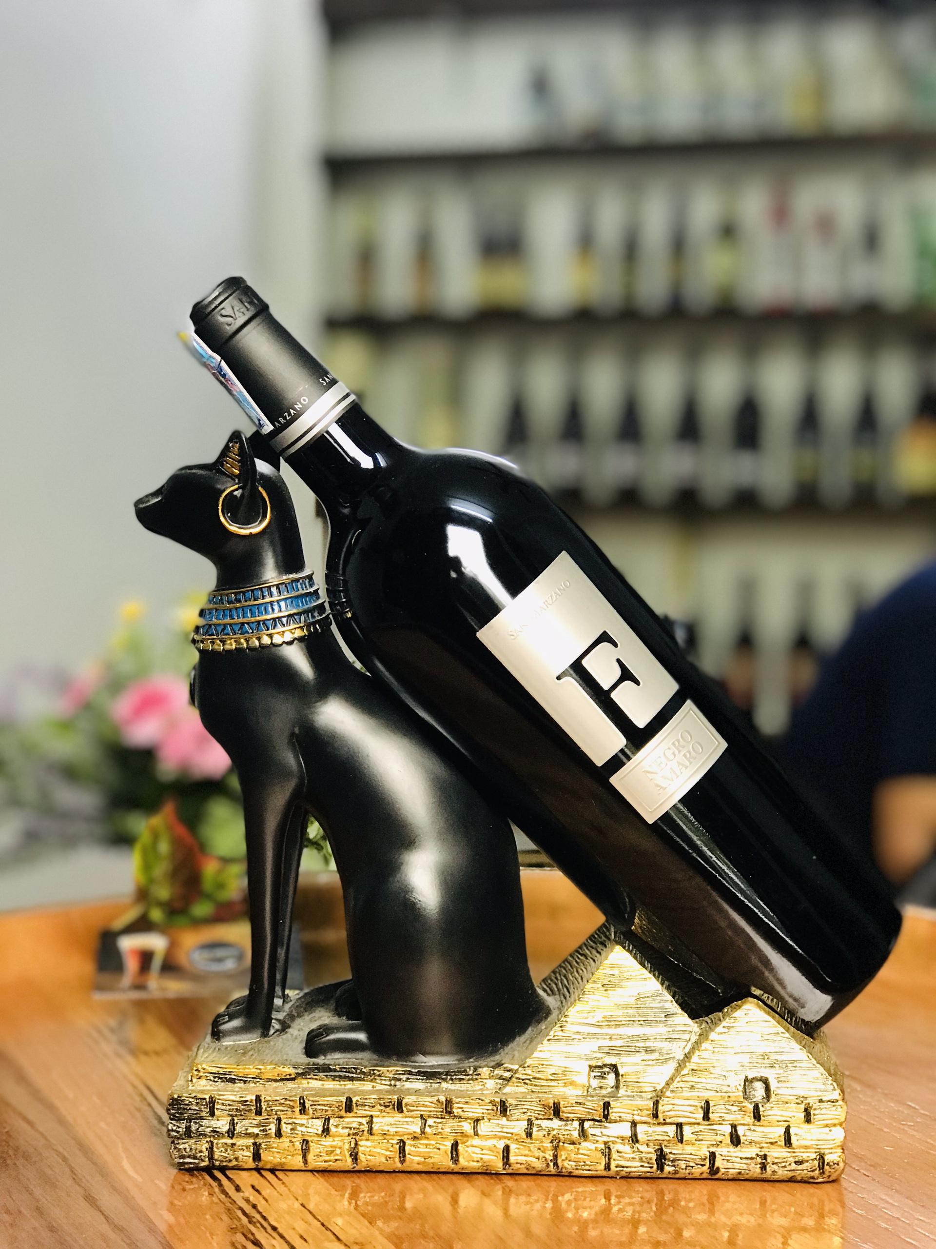Vang FNegroamaro Salento nằm trong top các chai rượu vang Ý ngon nhất thế giới